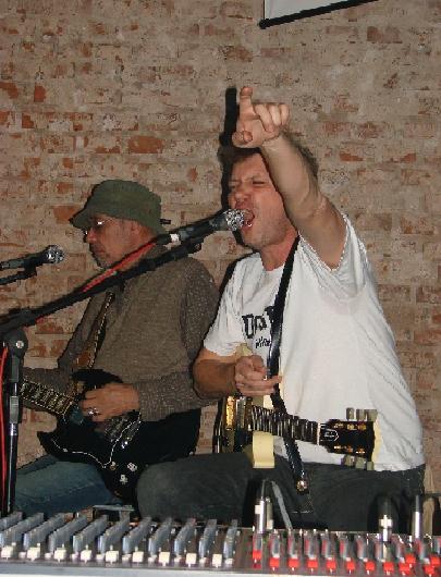 Jimi Joe e Wander Wildner fizeram o show acústico em Venâncio
