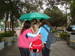 Amigas até com chuva!