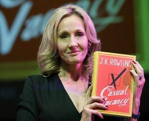 J.K. Rowling estreia na 'literatura para adultos'