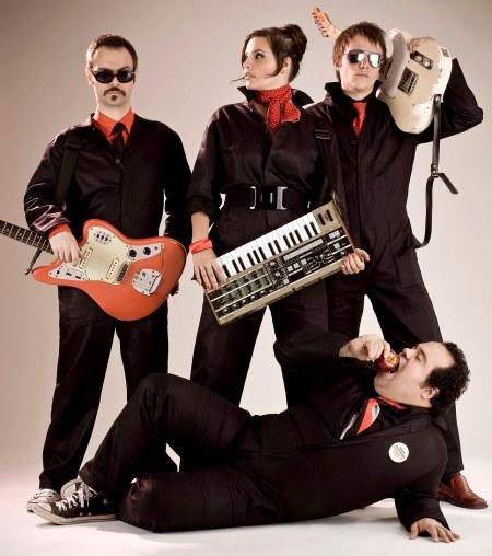Bidê ou Balde é uma banda de rock gaúcho