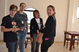 Galera do NP, no Cine Via Sete, aguardando os alunos visitantes!
