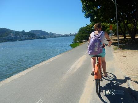 Pedalada ao redor da Lagoa Rodrigo de Freitas, a caminho do Jardim Botânico